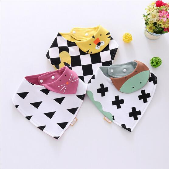wholesale New heart-shaped bibs baby saliva towel cotton triangle towel newborn double snap bibs children scarf Cartoon Burp Cloths