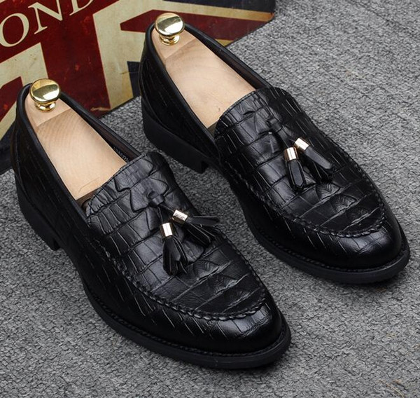 Men's crocodile bean shoes, male tide edition, inside height, pointed hair stylist leather shoes, one pedal lazy person shoes 38-43e2.