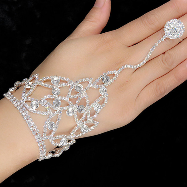Gorgeous Wedding Pearl Rhinestone Bracelets with Finger Rings Bridal Hand Harness Bangle Slave Chain Bracelets With Finger Ring