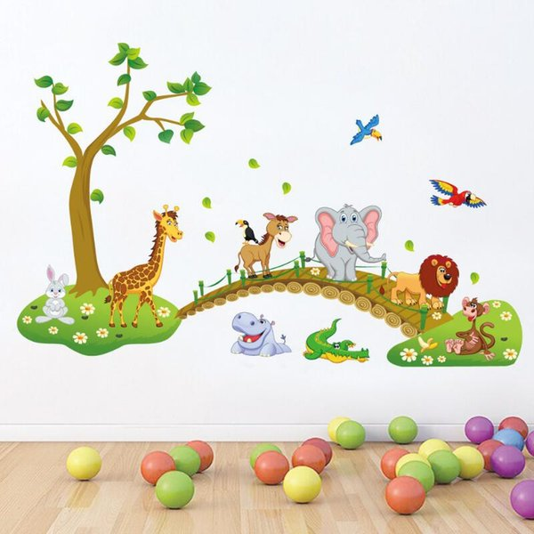 3D Cartoon Jungle Wild Animal Tree Bridge Leone Giraffa Elefante Uccelli Fiori Adesivi murali Per Camera dei bambini Soggiorno Home Decor Shippi gratis