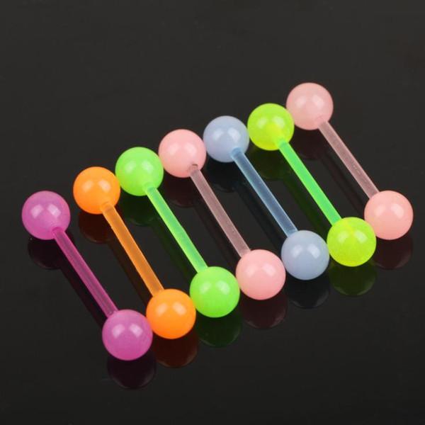 7 Adet / grup Rastgele Renkler Moda Dil Halter Yüzük Akrilik Uv Dil Piercing Vücut Takı