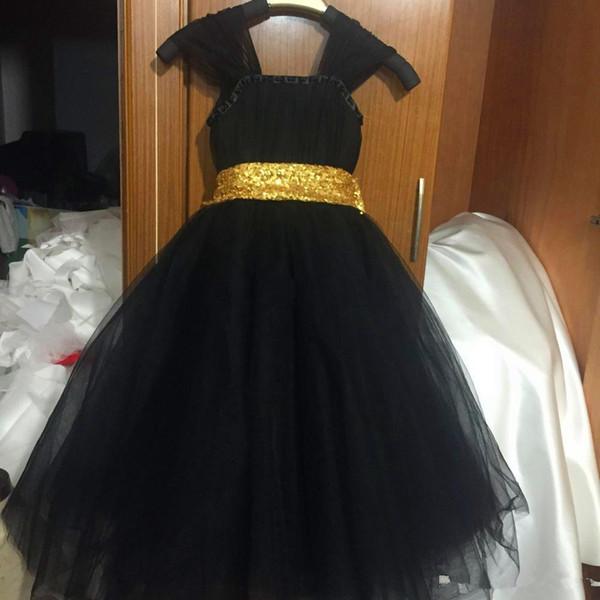 Cap Kollu Siyah Çiçek Kız Dess Altın Kanat Çay Boyu Kız Pageant Parti Elbise ile