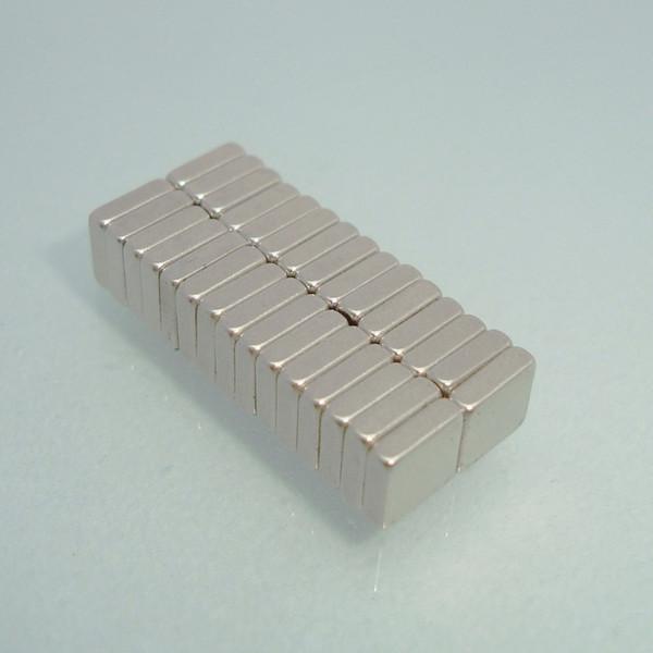 Ventas calientes 30 unids Bloque fuerte Neodyminum imanes N52 Blk5x5x1.5mm Imán de neodimio de tierras raras arte Craft Fridge envío gratis