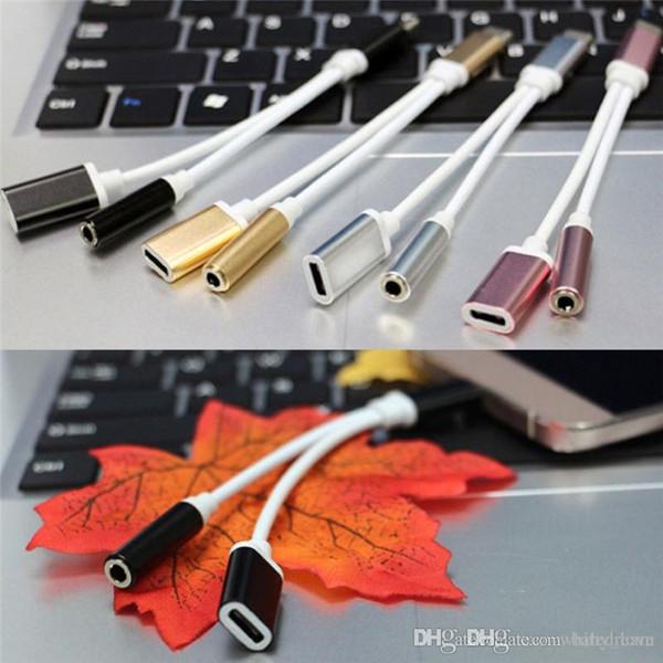 2 en 1 USB a tipo C / 3.5mm Auricular Cable de carga de audio Fuente de alimentación Cargador Cables Cable Cable Línea para escuchar música / carga