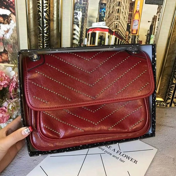 HOT!Famous brand designer fashion luxury ladies small chain shoulder bags messenger bag women crossbody free shipping size:27x19cm with box