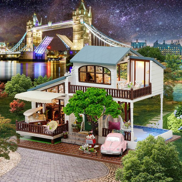 Dollhouse Sylvanian Families House DIY Doll House London Holiday Hand Assembled House Model New Year Gifts Juguetes Brinquedos
