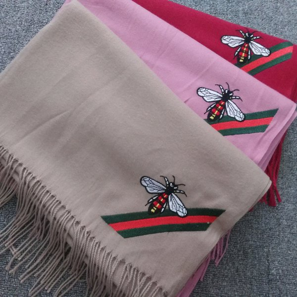 2018 new fashion autumn winter warm and luxury stylist designer scarf for woman imitation cashmere embroidery bee scarves shawls free