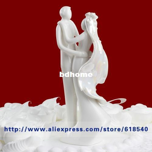 Wholesale - Free Shipping Ceramic White Bride and Groom Design Cake Topper Wedding Decoration