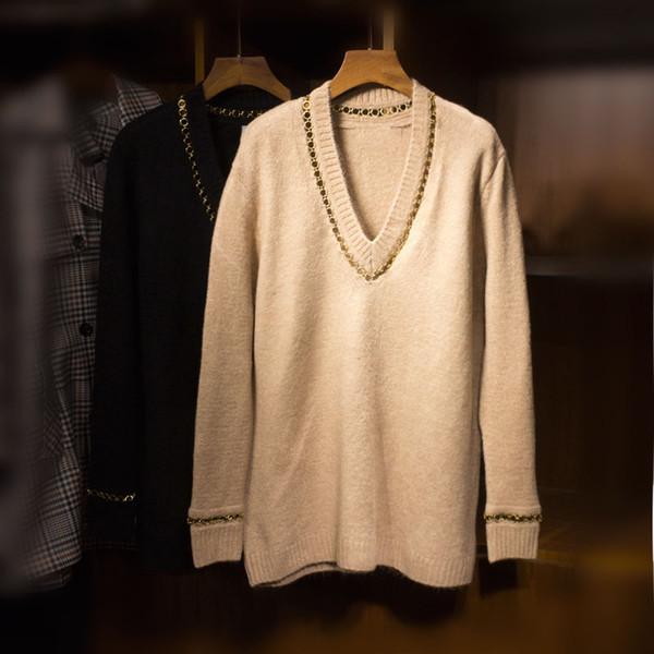 Oversized Knits V-Ausschnitt mit Metall Kreise Ketten verziert mit langen Ärmeln Drop Schulter Frau Mode Strickwaren Pullover Im Angebot