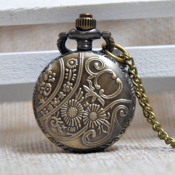 Antique Retro Bronze Train Engrave piccolo orologio da tasca al quarzo analogico ciondolo collana uomo donna regali Reloj Montre Fob orologi