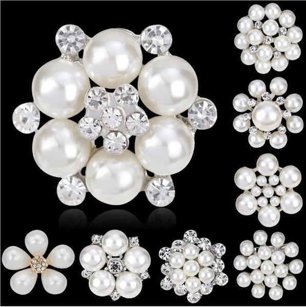 Elegant Fashion Love Flower Simulated White Pearl Brooch for Women Girls Bridal Brooches for Hat Bag Scarf Dress Wedding Jewelry Wholesale