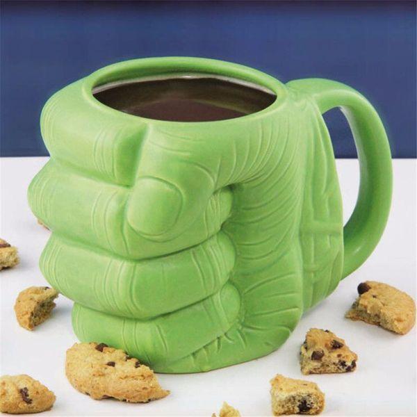 Yaratıcı Yeşil Hulk Fist Fincan Emoji Kaka Seramik Kupa Kahve Çay Süt Bardak için Anime Porselen Içme Kupa Boy Adam Drinkware Hediye BH85