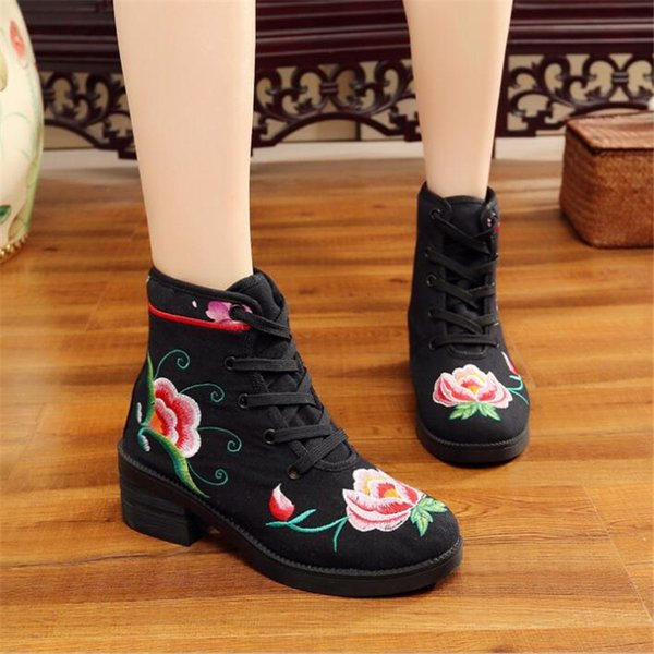 Autumn women's short-sleeved national wind boots cotton embroidered lace ladies casual comfortable canvas wedge shoes EZ492
