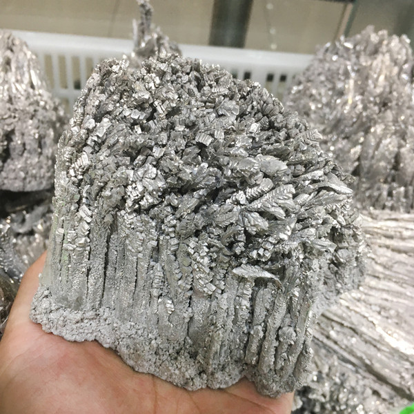 DingSheng Top!! 650-700g Natural Mineral Specimens Rich Tree Aluminum-magnesium ore Specimens Silver Reiki Ore Collectioon Home Decoration