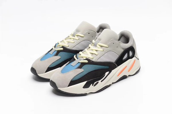 18ss new fashion shoes Kanye West Boots 700 Best Quality Sports Running Shoes Sneakers Men Womens Comfort Grey Athletics Shoes Dad Shoe