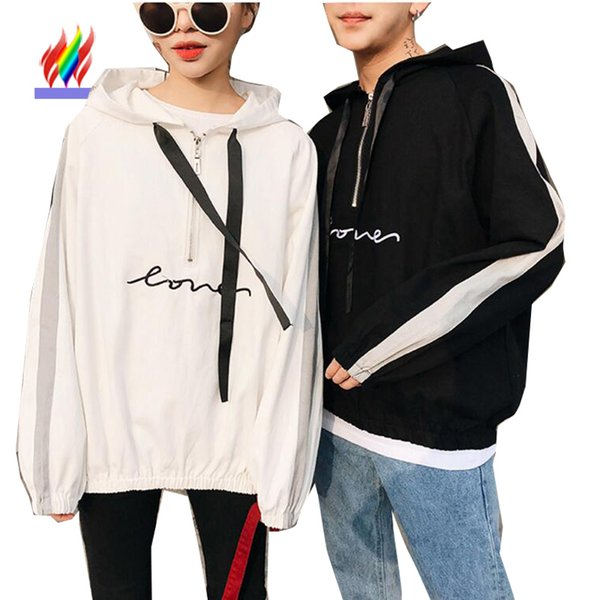 Mignon Japon Corée Couple Vêtements Amoureux À Capuche Sweat À Capuche Style Décontracté Tops Blanc Noir Lettre Couple À Capuche Assorti