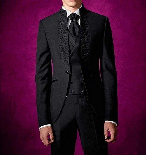 Nouveau Design Élégant Un Bouton Noir Marié Tuxedos Stand Cols Garçons Meilleur Homme Costumes Hommes Costumes De Mariage (Veste + Pantalon + Gilet + Cravate) 575