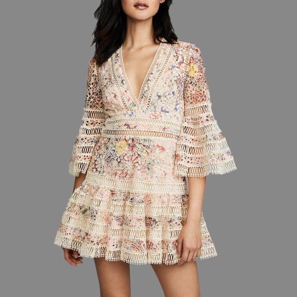 [OL] Лоскутное Hollow Sexy Dress Платье Высокого Качества Оборками Летняя Мода Женская Одежда Печати Кружева V-образным Вырезом Flare Рукавом Q352