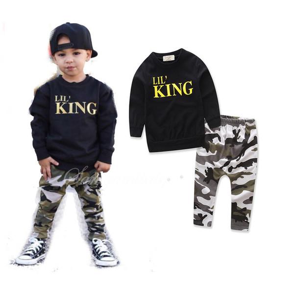 Nova Moda de Duas Peças de Manga Curta Tripulação Pescoço preto T-shirt Carta padrão de Camuflagem calças menino confortavelmente 1-5 T Conjuntos de Roupas 17906