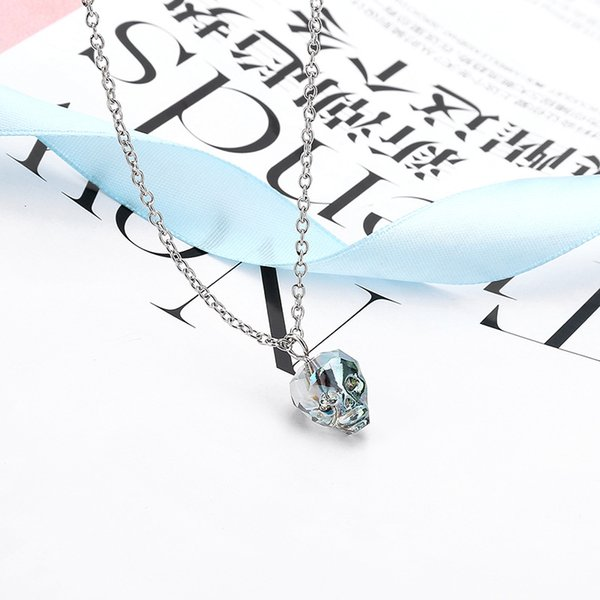 Korean version of the trend of personality skull crystal pendant small glass ghost short necklace Halloween festivel celebration ornaments