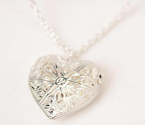 Coração em forma de colar de amor pode ser jogado com aberto pequeno foto banhado a versão Coreana escavada Colar Pêssego Em Forma de Coração Colar L625
