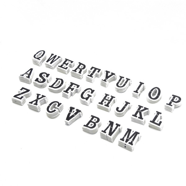 260 unids 26 letras bordado de hierro en parche para la mochila apliques de la ropa con motivos de tamaño 3.5 cm * 4.5 cm