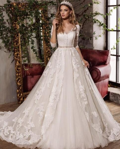 Romantic Overskirt Wedding Dresses Pretty A Line Lace Applique Illusion Long Sleeves V Neck Formal Bridal Gowns Garden Beach Wedding Dress