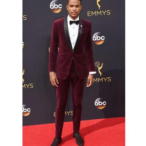 Cool Deep Red Groomsmen Shawl Lapel Two Buttons (Jacket+Pants+Tie) Groom Tuxedos Groomsmen Best Man Suit Mens Wedding Suits Bridegroom