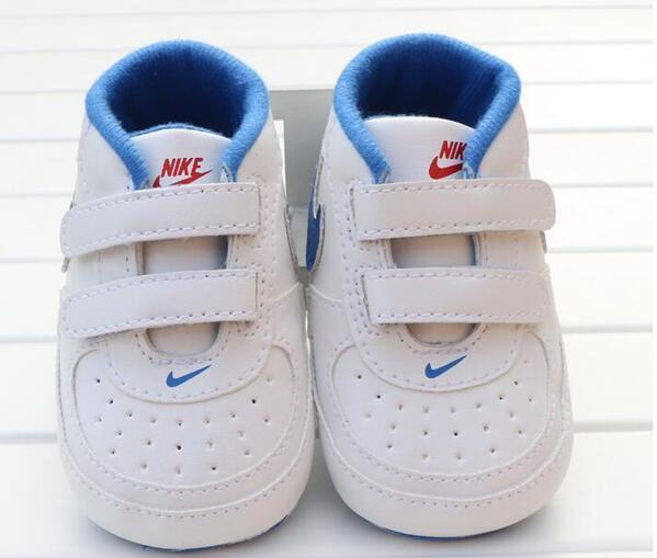 2017 Bébé Chaussures Nouveau-Né Garçons Filles Coeur Étoile Motif Premiers Marcheurs Enfants Toddlers Lace Up PU Sneakers 0-18 Mois