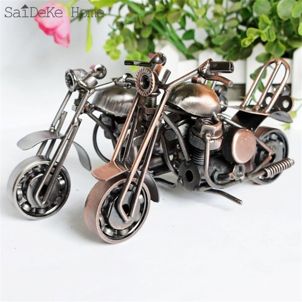 SaiDeKe 18cm Retro Motorcycle Model Metal Vintage Motor Figurine Iron Motorbike Prop Handmade Boy Gift Kid Toy Home Office Decor