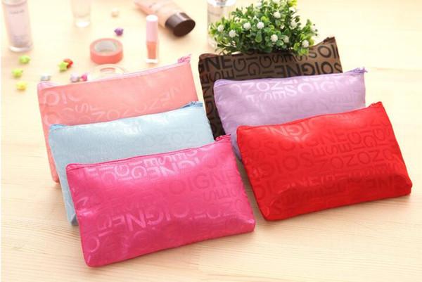 2018 Hot Sale Letter Women Cosmetic Pop Popular Girls popular Make Up Bag zipper gifts waterproof travel pouch bag