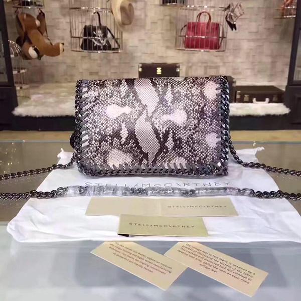 Hong Kong wind Messenger bags female retro trend shoulder bagy small party bag simple wild hand mini bag female chain bag