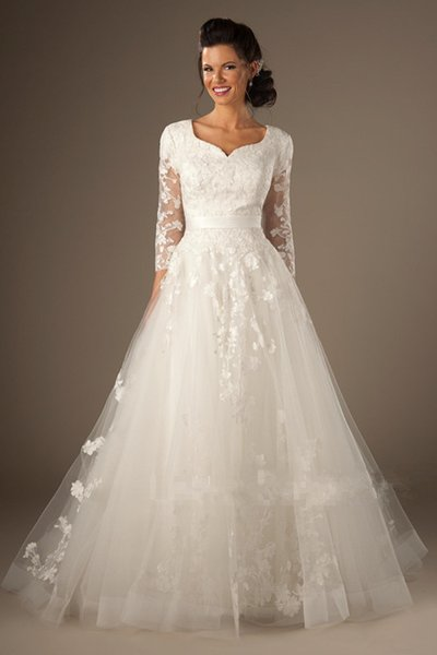 Hot Sale 3/4 Long Sleeves Vintage Wedding Dresses with Ribbon Lace Applique A Line Tulle Bridal Gowns