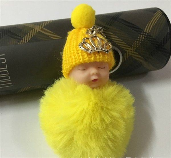 Atacado Super Bonito Crown Sleeping Baby Doll Chaveiro Pompom Faux Fur Bola Chaveiro Saco Do Telefone Do Carro Chaveiro Titular Baby Shower Party Favor