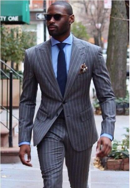 Trajes clásicos para hombres Nuevos diseños 2018 Trajes de moda para hombres Trajes de pantalón corto de rayas grises Terno Masculino Trajes de esmoquin ajustados