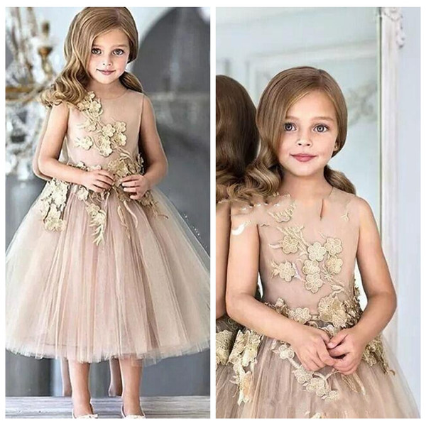 2018 Cute A Line Flower Girls Dresses Lace Appliques Sleeveless With Flowers Formal Tulle Skirt Tea Length Girls Pageant Gown