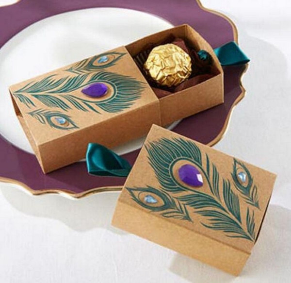 Free shipping European Design Peacock feather candy box kraft paper gift packaging for sweets tea dim sum wedding favors