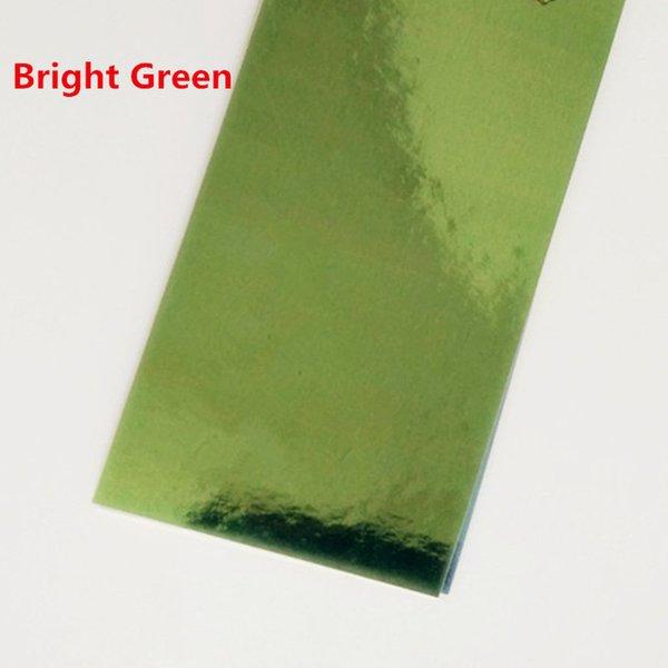 Cor: verde brilhante