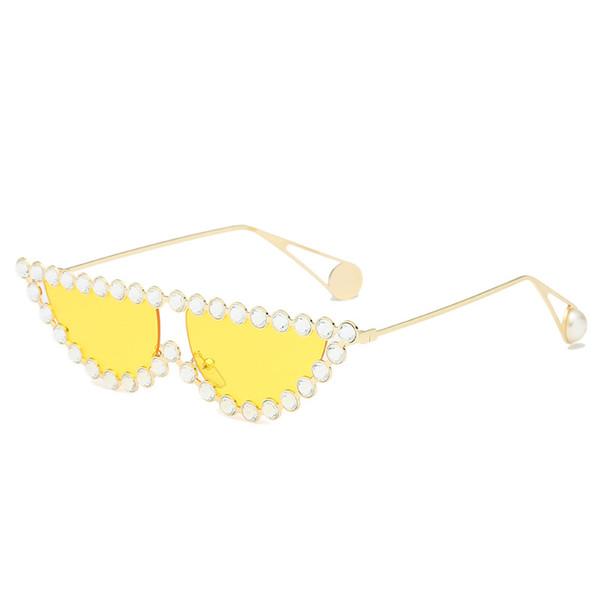 959a26d7710cd MINCL   Mais Novo Luxo Decoração De Cristal Gato Óculos De Sol Das Mulheres  Moda Metade