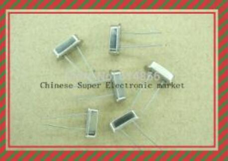 Lot of 10 4MHz Crystal Oscillators