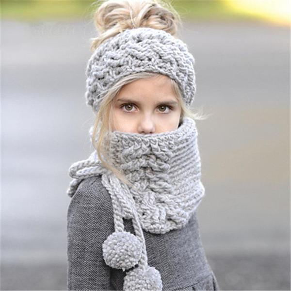 Berretti a maglia per bambini Set di sciarpe per bambini caldi fatti a mano invernali Berretti con cappellino da bambina, cappelli di poncho scialle a tinta unita
