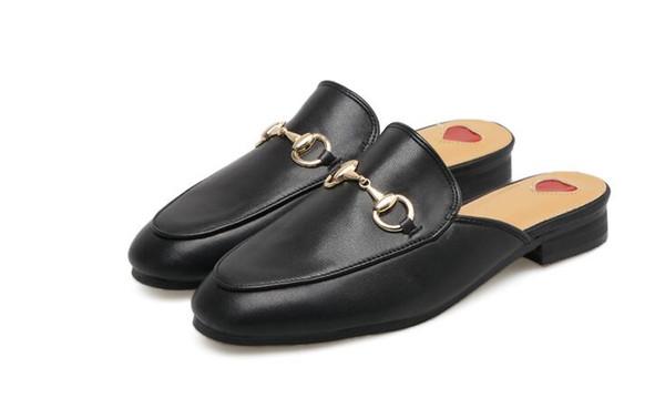 2018 Sommer Marke Princetown Frauen Hausschuhe Luxus Designer Fashion Echtes Leder Loafers Schuhe Metall Kette Damen Casual Mules Wohnungen neu