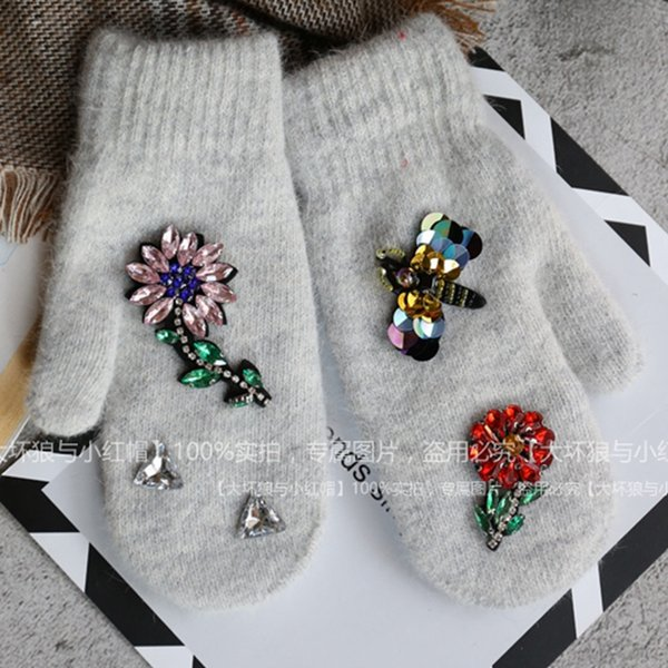 Women Winter Gloves Colorful Crystal Flower Decoration Rabbit Fur Gloves Fashion Finger Less Female Mittens Girls