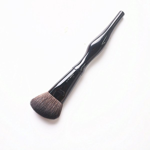 Makeup Brush Body Curve Shaped Cheek Powder Cosmetic Brushes Black Face Paint Make up Brush Tool