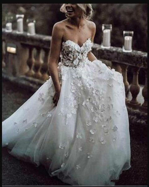 2019 New Sweetheart Neck Wedding Dresses White Appliques 3D Flowers Sexy Backless Elegant Bride Gowns Plus Size
