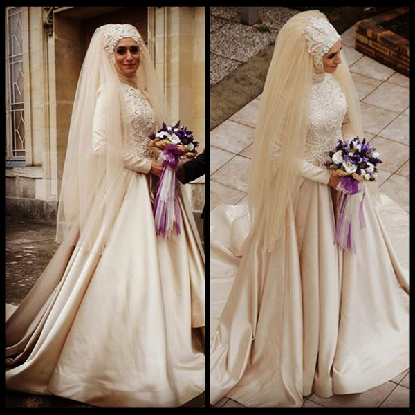 2019 Muslim Wedding Dresses Long Sleeve Champagne A Line High Neck Wedding Dress With Hijab Veil Pearls Beaded Vintage Arabic Wedding Gowns