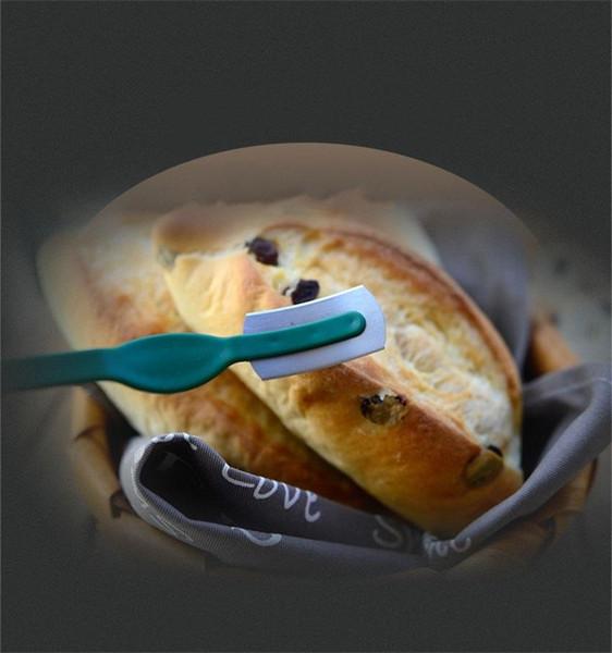 Praktische Mini Brot Französisch Toas Cutter Stabile Backwerkzeug Arc Curved Brotmesser Für Küche Nützliche Artikel Hohe Qualität 3qs ZZ