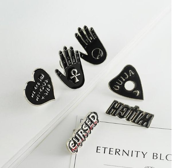 2018 New man Women Brooch creativity design individuality Witch hand OUIJA punk style Clothing accessories Pins Party Prom Women pin 124