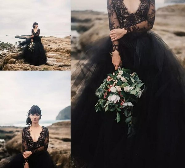Unique Design Gothic Black Wedding Dresses with Illusion Long Sleeves Lace Tops Tulle A Line High Quality Beach Wedding Gowns Country Style