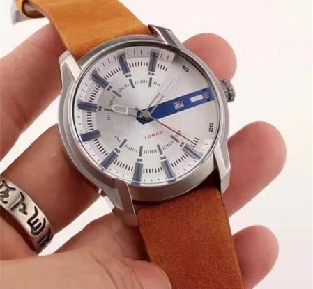 Top selling new three-pin domineering men's wrist watch top quartz watch Leather strap wholesale free shipping